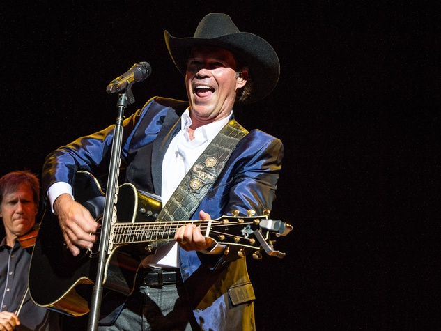 350 Clay Walker at Bands Against MS