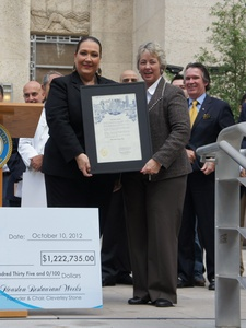 Houston Restaurant Weeks, check, Cleverly Stone, Mayor Annise Parker, October 2012