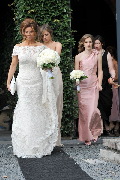 News_Sachse-Florescu wedding_May 2012_women