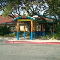 Austin_photo: places_food_chuy's_research_exterior
