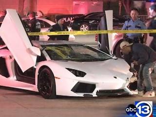 News_Lamborghini_crash_Uptown Park