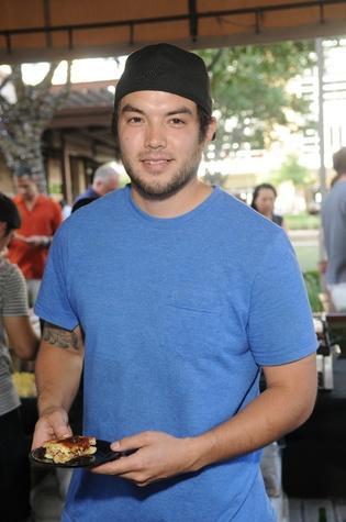 Matthew Pak with winning dish at the Curry Crawl May 2014