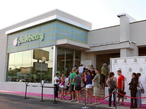 Pinkberry, grand opening, yogurt, crowd, line, Highland Village