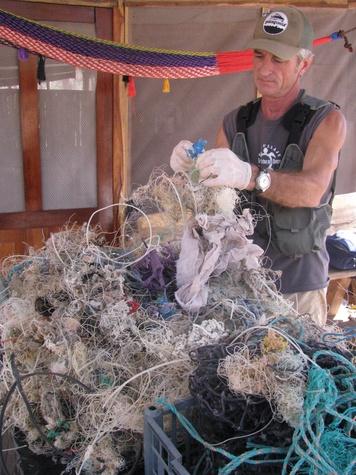 Austin Photo Set: News_Melissa Gaskill_plastic bags_wildlife_jan 2012_plastic2