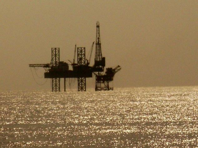 News_oil rig_rig_platform_sunset