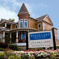 Boulevard house