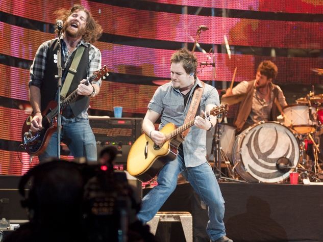 News_007_RodeoHouston_Eli Young Band_March 2012