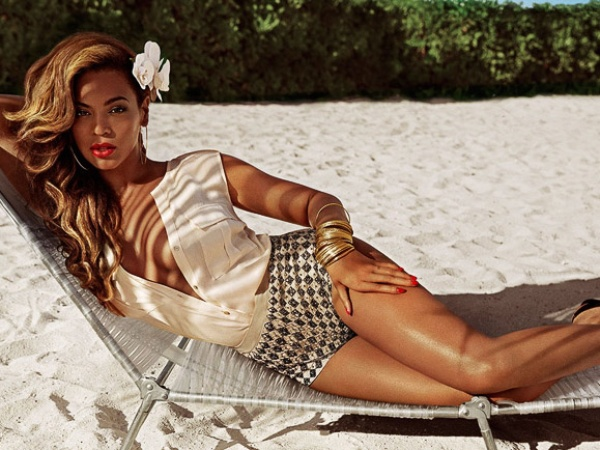 Beyonce, H&amp;M, beach