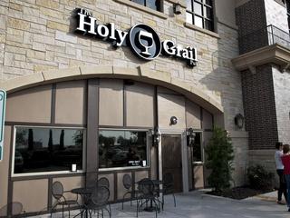 Holy Grail Pub, Plano