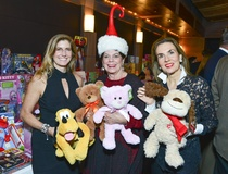 Shelby Hodge: 4,000 toys and a sleigh of money at a hot Houston restaurant equal a whole lot of holiday for needy kids