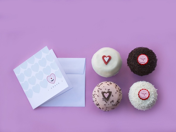 things to do on Valentine's Day, Crave Cupcakes-Valentine's Box 2013