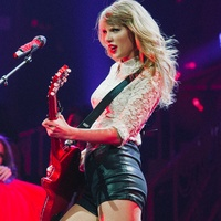Taylor Swift red guitar