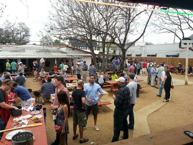 West Alabama Ice House crowd