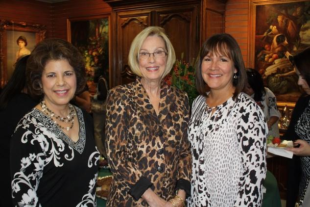 News, Shelby, Blue Bird Circle endowed chair, October 2014, Mary Francis Fabrizio, Ellen Stough, Pattie Armes