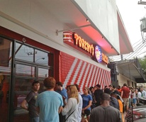 Torchy's Tacos Rice Village opening day line April 19, 2013