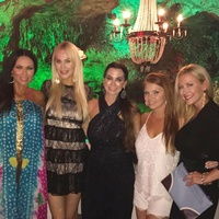 Cary, LeeAnne, Brandi, Stephanie, Kameron, and D'Andra of Real Housewives, Mexico cave