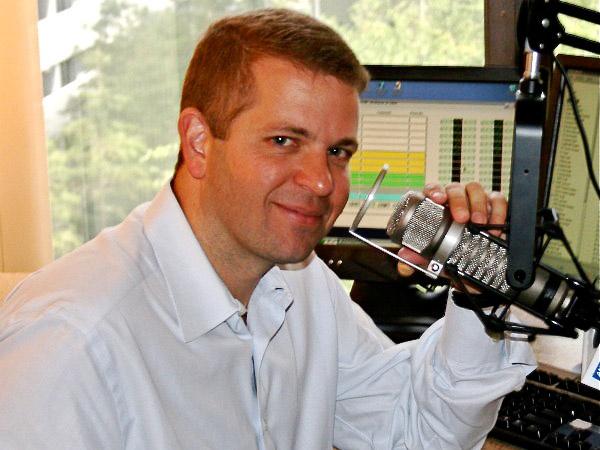 conservative gay talk show host