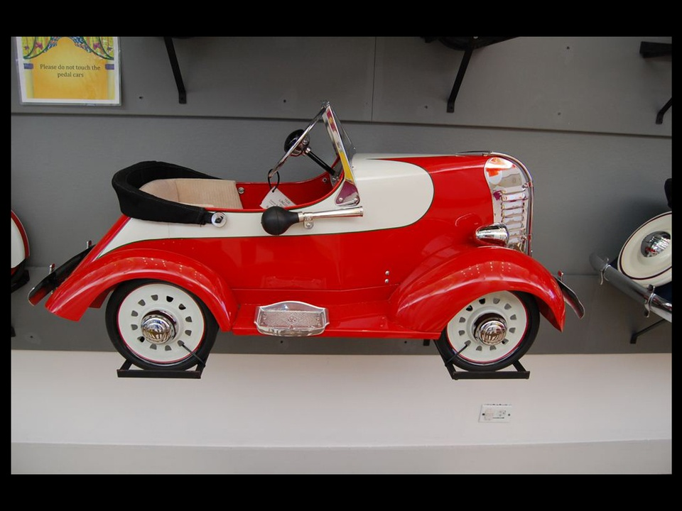351, Children's Museum of Houston, vintage pedal car exhibit, November 2012, BLACK SPACE