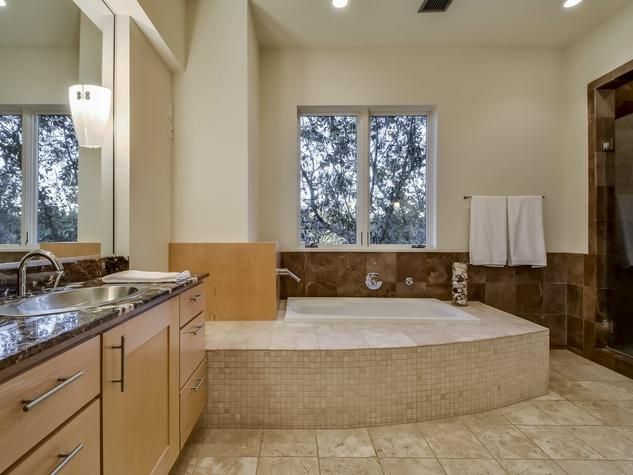 1200 Barton Creek Blvd Austin house for sale bathroom