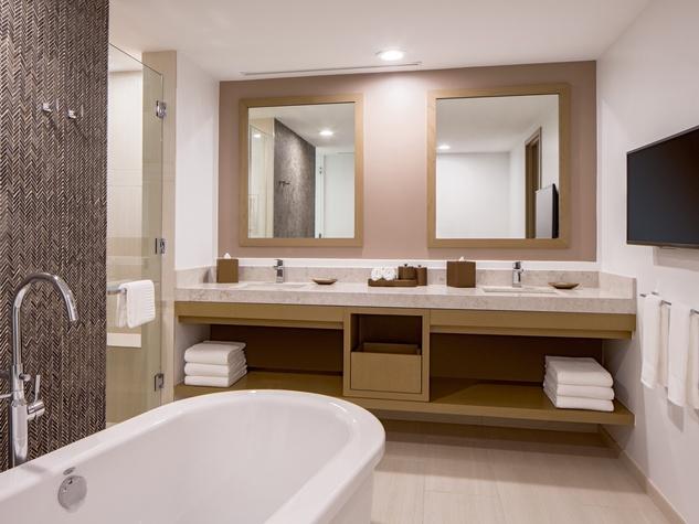Hyatt Regency two story suites master bath