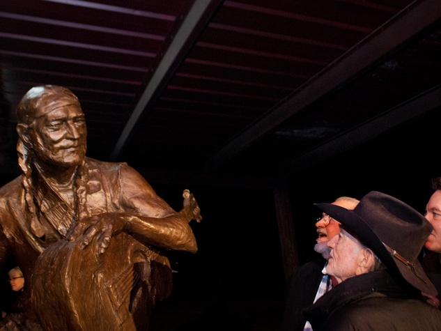 Austin Photo Set: News_Kevin_Willie Nelson Statue_Nov 2011_6