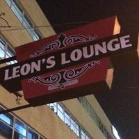 Leon's Lounge sign
