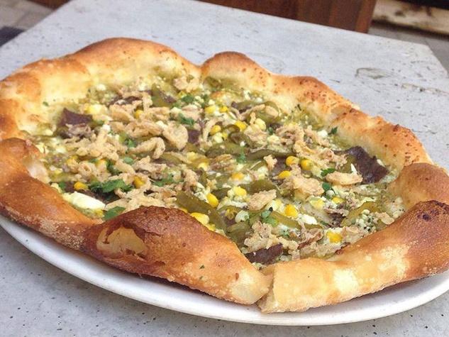 Thirteen Pies pizza