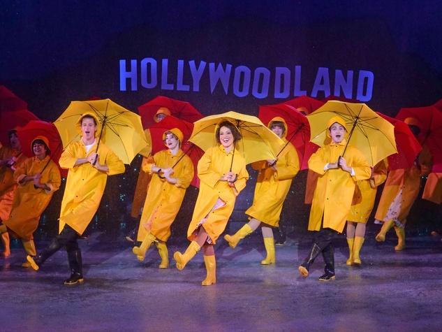 ZACH Theatre presents <i>Singin' in the Rain</i>