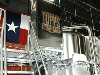 TUPPS Brewery presents Red, White and Brew