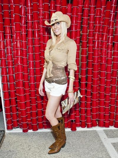 News_Style File_Amber Kratschmer_February 2012