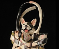News_Texas Teapot Tournament_18 Hands Gallery_dog in purse