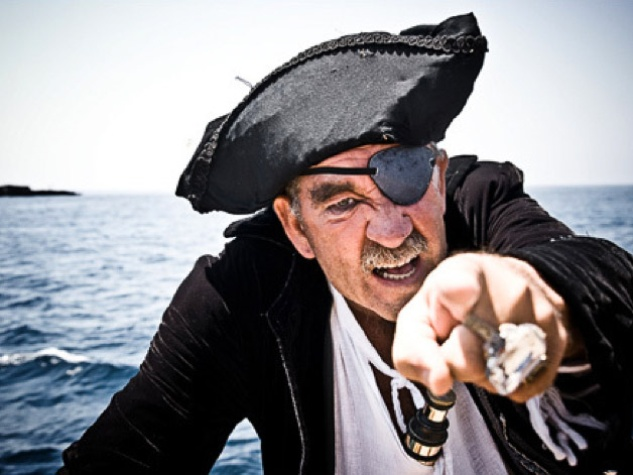 News_Real Pirates_pirate_sword