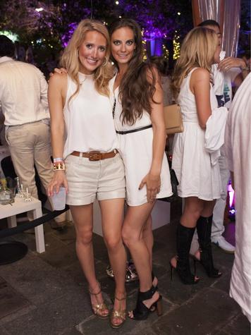 Krystal Schlegel, Rachel Hutchinson, whie party
