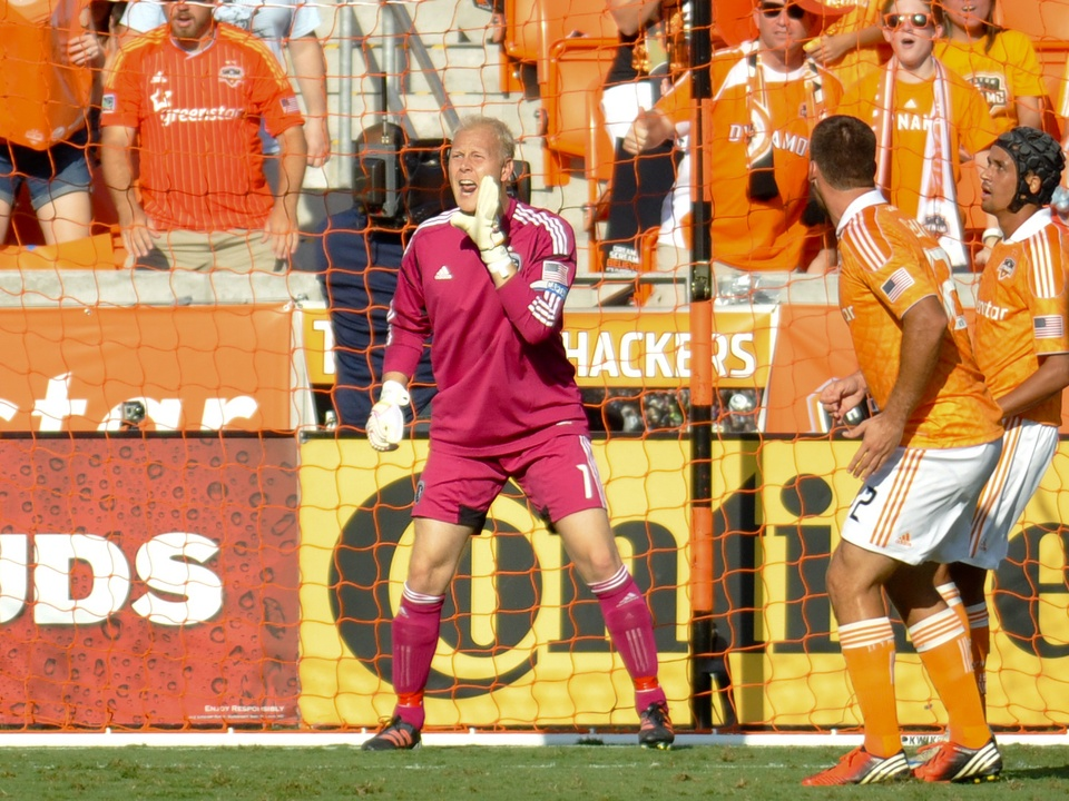 Dynamo KC goalie directing