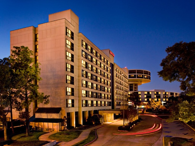 Houston Airport Marriot at George Bush Intercontinental Airport exterior night