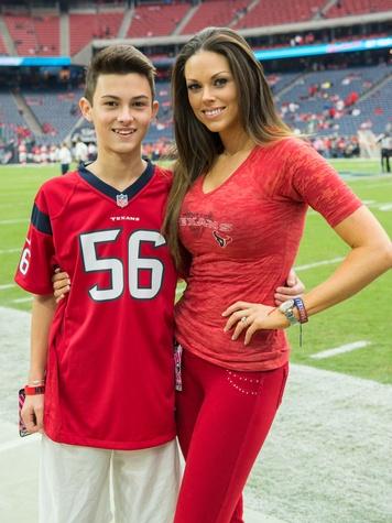 7 Corey White and Amanda Abiassi at the Texans vs. Eagles sideline party November 2014