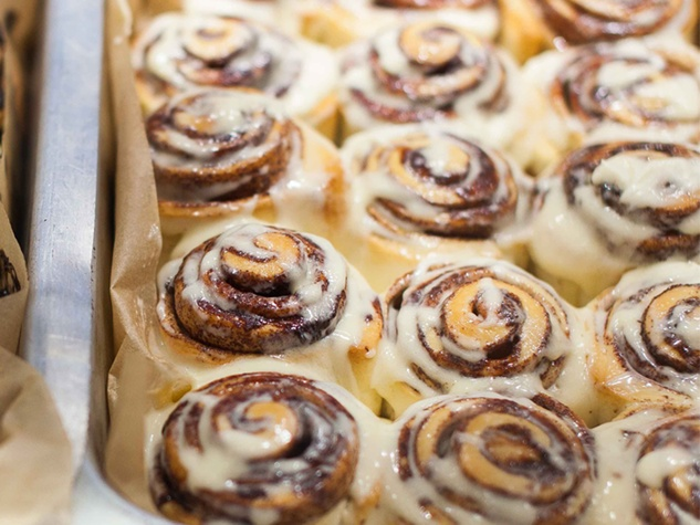 cinnamon rolls from Cinnabon possible new concept Bon Bake Shop August 2014