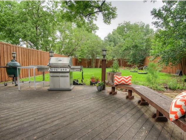 5823 Richmond Ave. Dallas home for sale backyard