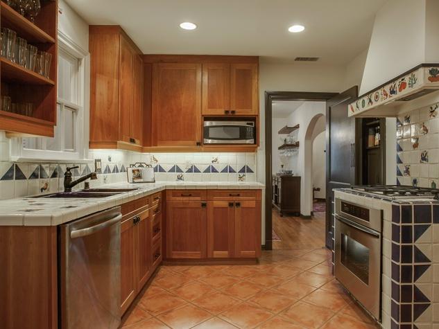 Kitchen at 5338 Ellsworth Ave in Dallas