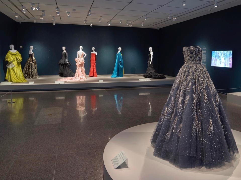 Oscar de la Renta MFAH Icons room Alison Sarofim gown