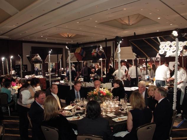 128 diners in the Bon Vivant dining room at the Bon Vivant Dinner January 2014