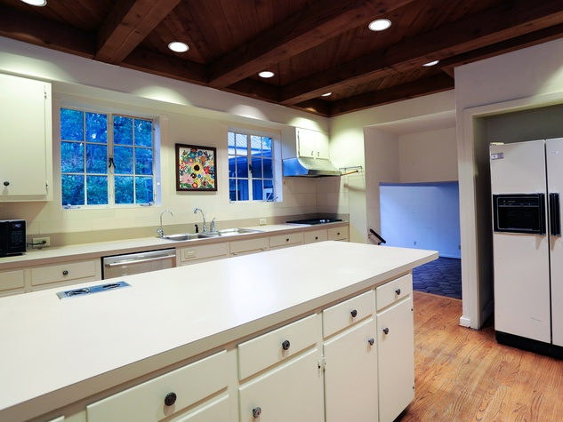 5 On the Market 3375 Del Monte Drive February 2015 kitchen