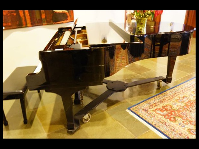 Houston Club auction, January 2013, Kohler , Campbell Grand Piano