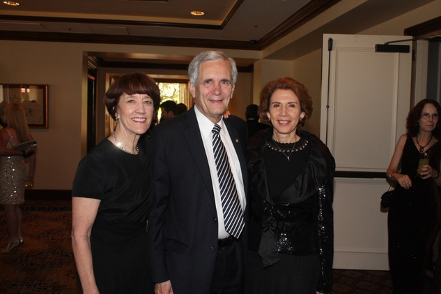 Gala Del Museo Arte Y Glamour benefiting the Mexic-Arte Museum. Libby and Con. Lloyd Doggett with Consul General of Mexico Rosalba Ojeda
