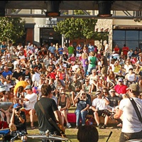 crowd at Hill Country Galleria Independence Day Festival