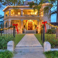 Austin Junior Forum presents Christmas at the Caswell House