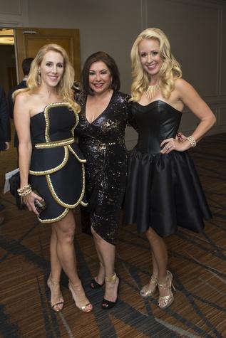 6894 Christie Sullivan, from left, Debbie Festari and Jennifer Brown at Una Notte in Italia November 2014