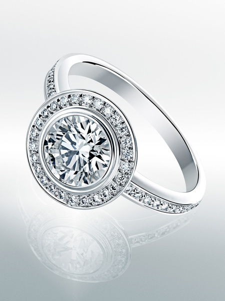 Put A Ring On It New Cartier D Amour Engagement Ring Keeps The Jew