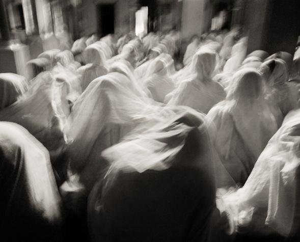 Homelands and Histories: Photographs by Fazal Sheikh-Bhajan Ashram at Dawn