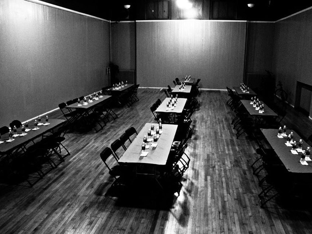 Blind Cafe Room